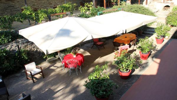 piacevole pranzo in giardino